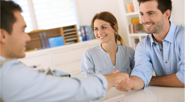 couple-applying-for-a-house-mortgage