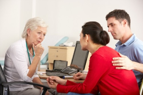 couple-discussing-fertility-options