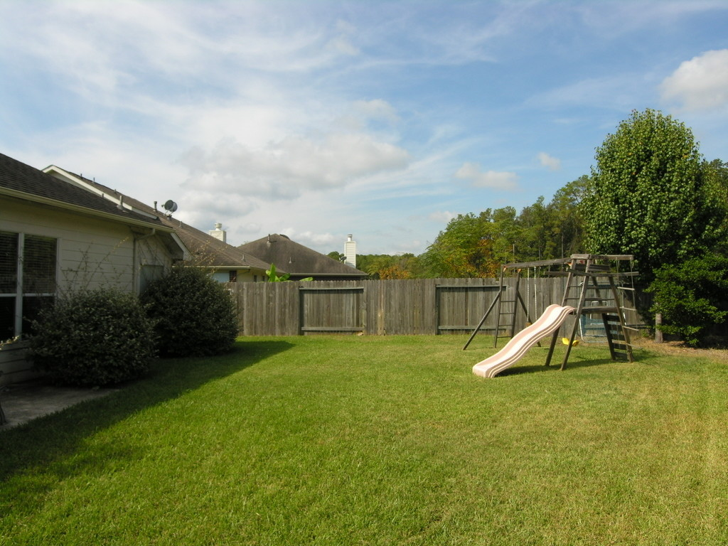 kid-friendly backyard