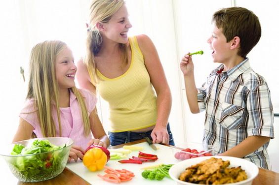 kids-eating-vegetables